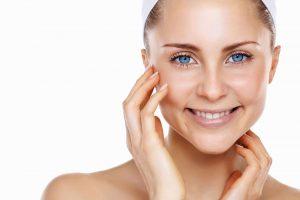 Como cuidar da pele oleosa no verão